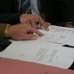 Guvernul reintroduce obligativitatea contractelor colective de muncă