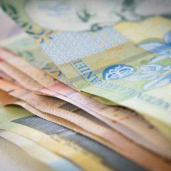 Câștigul salarial mediu nominal net a scăzut