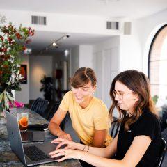 Studiu: Salariile in companiile private au crescut in medie cu 6,79% in primul semestru din 2020
