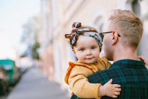 Durata concediului paternal ar putea creste